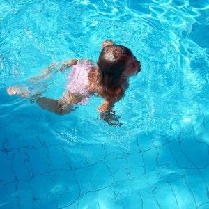 Offre pour une journée à l'espace aquatique Sourcéo de Saint-Paul-lès-Dax, pour une famille composée de 2 adultes et un enfant