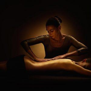 Photo illustrant le soin Voyage au Féminin, proposé dans notre Spa Sourcéo de Saint-Paul-lès-Dax