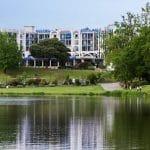 Photo du lac de Christus à proximité du Brit Hôtel du Lac et des Thermes de Christus de Saint-Paul-lès-Dax, un cadre idéal pour une cure thermale
