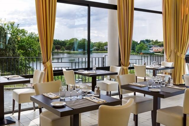Présentation du Restaurant Arc-en-Ciel du Brit Hôtel du Lac de Saint-Paul-lès-Dax, intégré aux Thermes de Christus