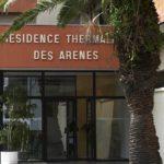 Présentation de l'établissement thermal des Arènes, situé à Dax, proposant des cures conventionnées rhumatologie et phlébologie mais aussi des programmes d'Education à la santé et des courts séjours